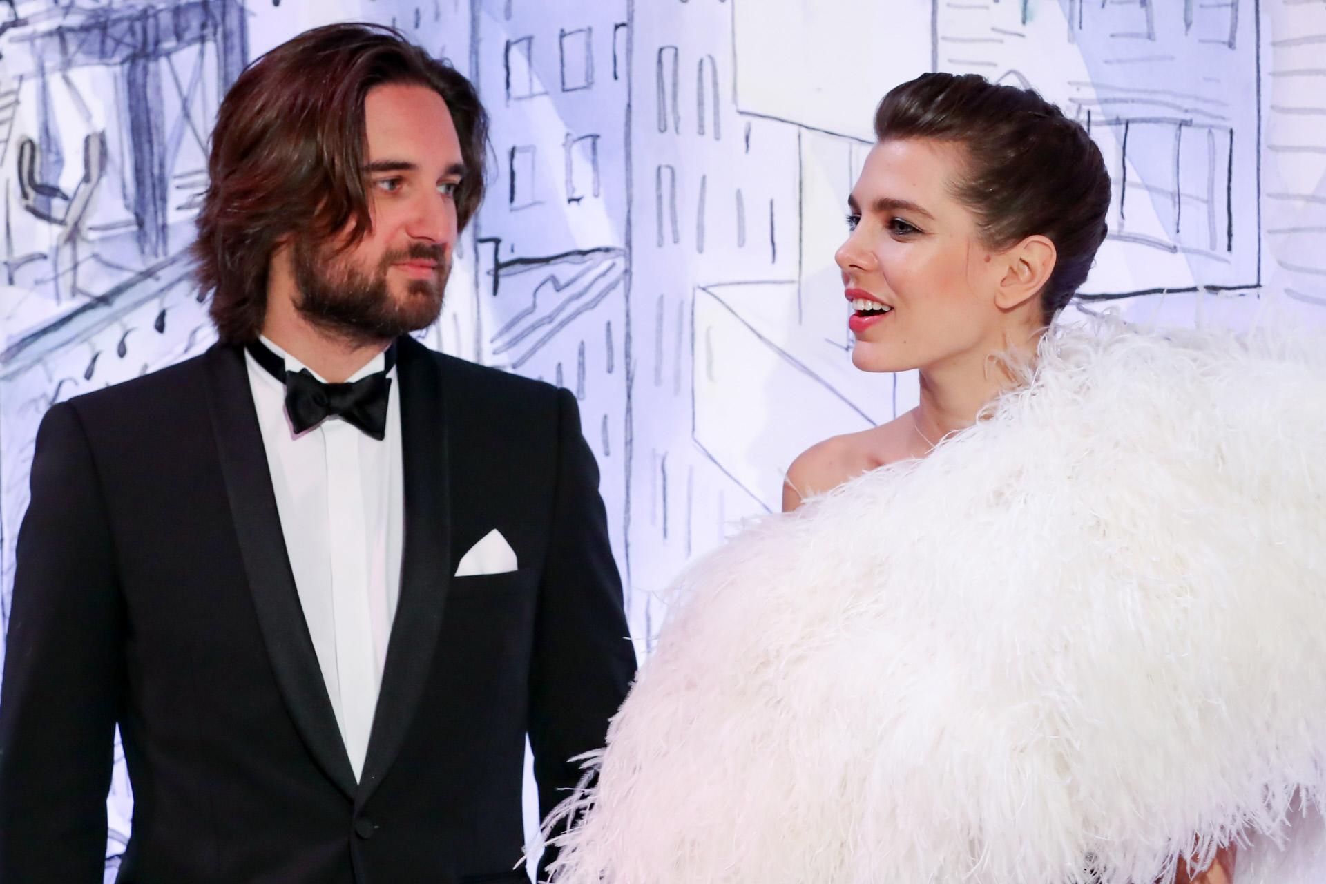 Carlota Casiraghi junto a su prometido el productor francés DImitri...