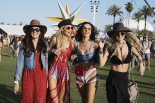 Ficha los mejores looks de street style del festival más esperado del...