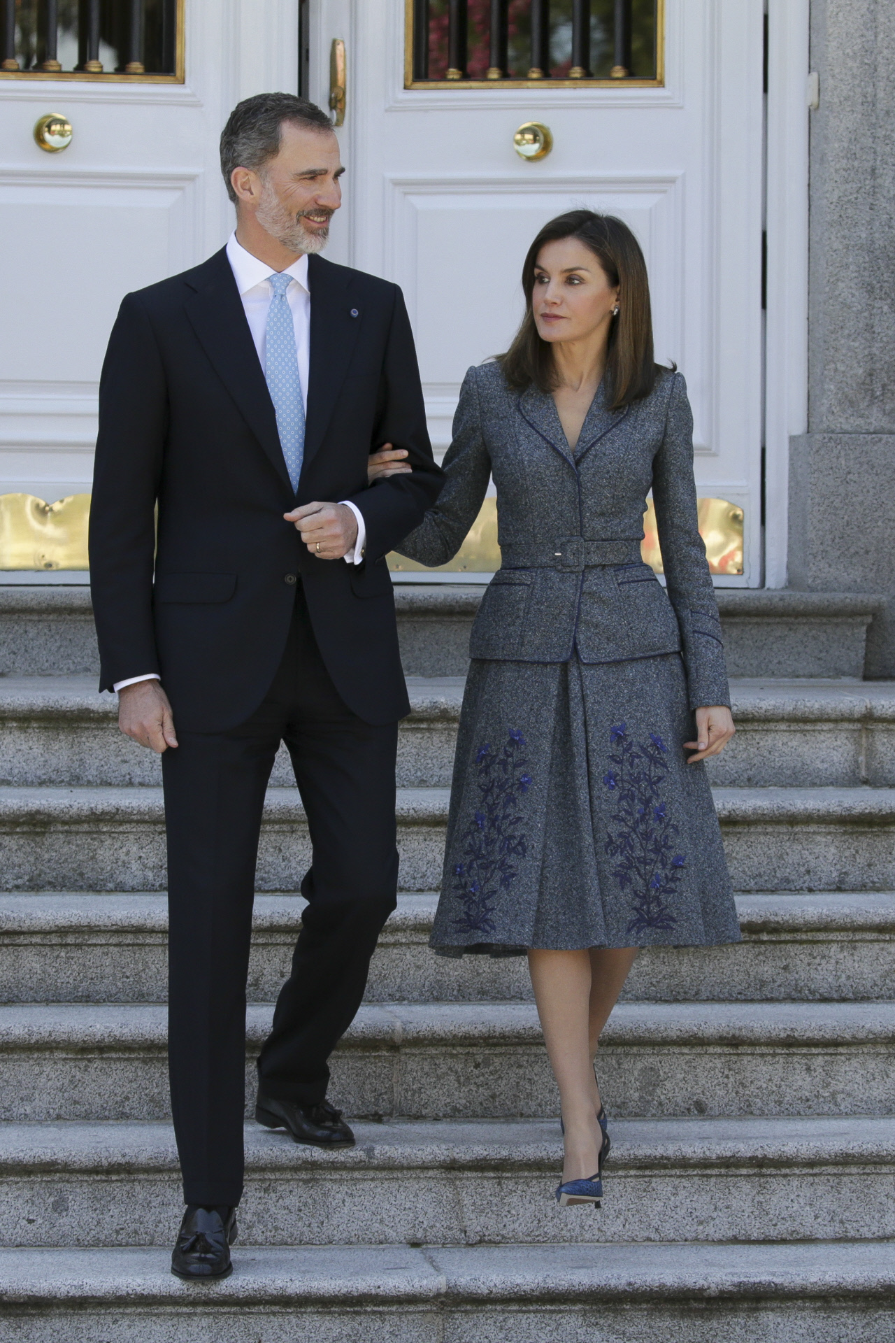 Don Felipe y Doña Letizia saliendo de Zarzuela para acudir a la...