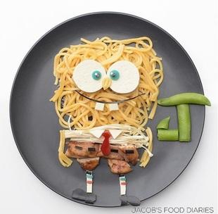 Noodles con pollo enoki, champiñones, tofu y judías
