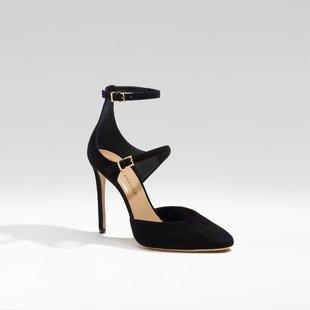 Modelo Paramour en negro, de Tamara Mellon (384 euros).
