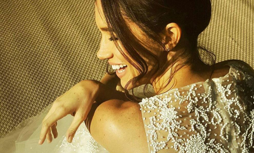 """Meghan Markle con el vestido de novia que lució en """"Suits""""."""