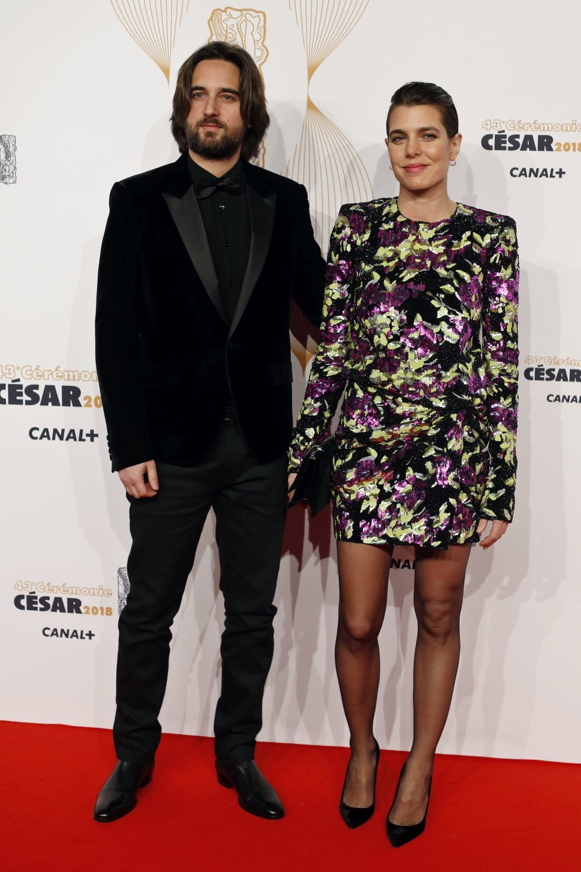 Dimitri Rassam y Carlota Casiraghi posaron juntos por primera vez durante los Premios César celebrados en París a principios de marzo.