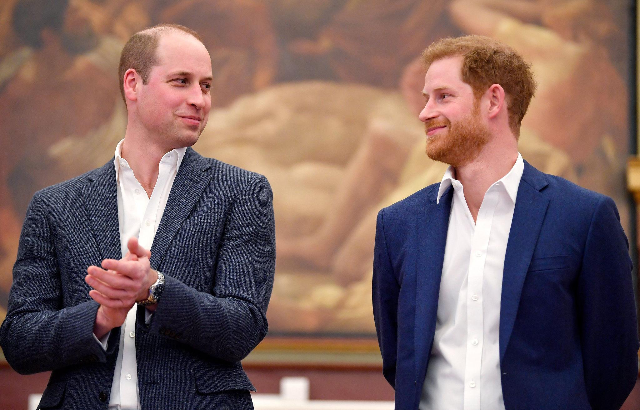 El príncipe Guillermo junto a su hermano menor, el príncipe Harry.