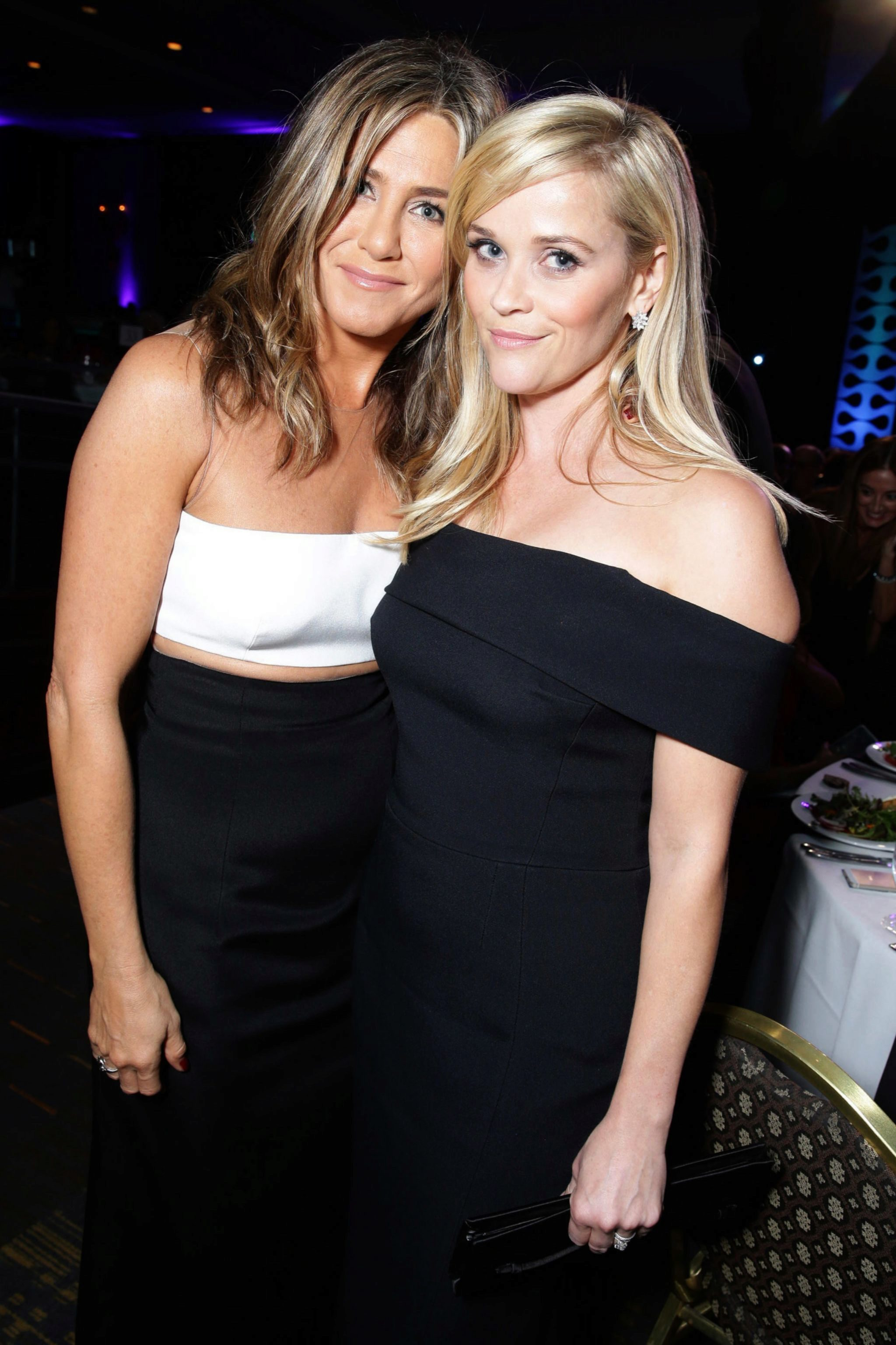 Las actrices, Jennifer Aniston y Reese Witherspoon, en los Premios AMC