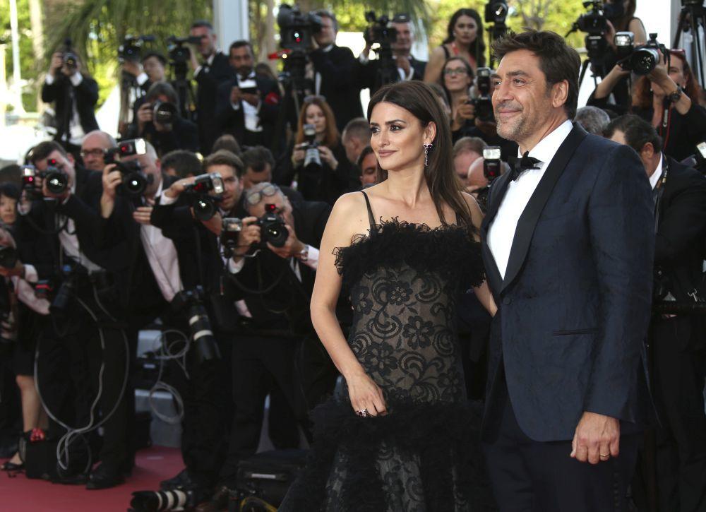 Penélope Cruz y Javier Bardem posando en la alfombra roja de Cannes...
