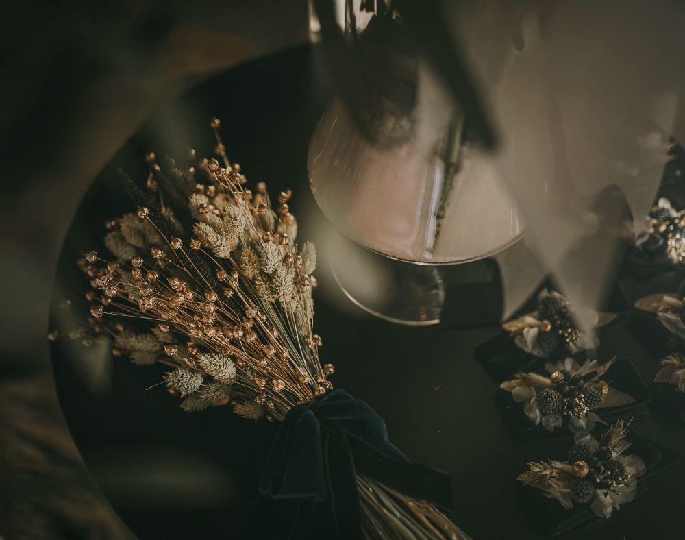 El ramo silvestre realizado a base de espigas negras y naturales,...