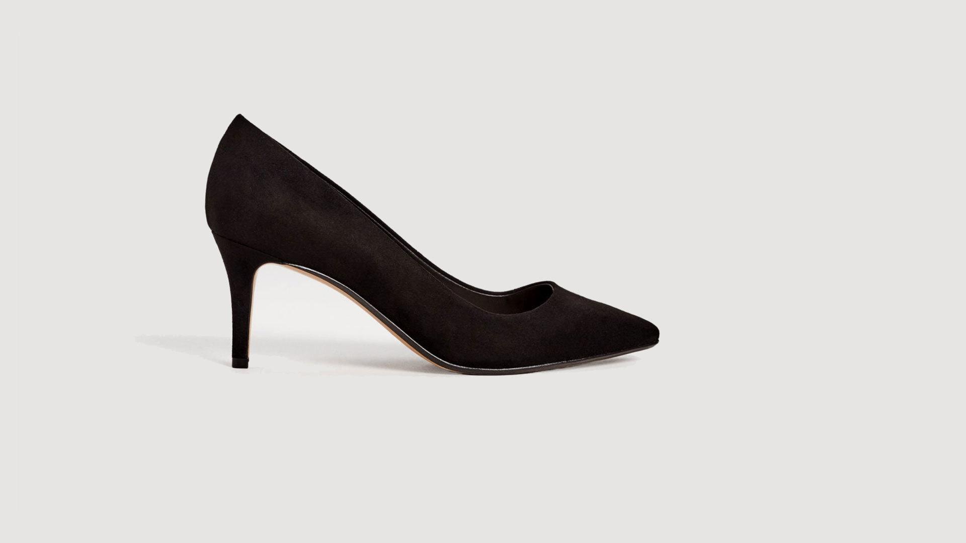 Stilettos negros de Mango (29,90 euros).