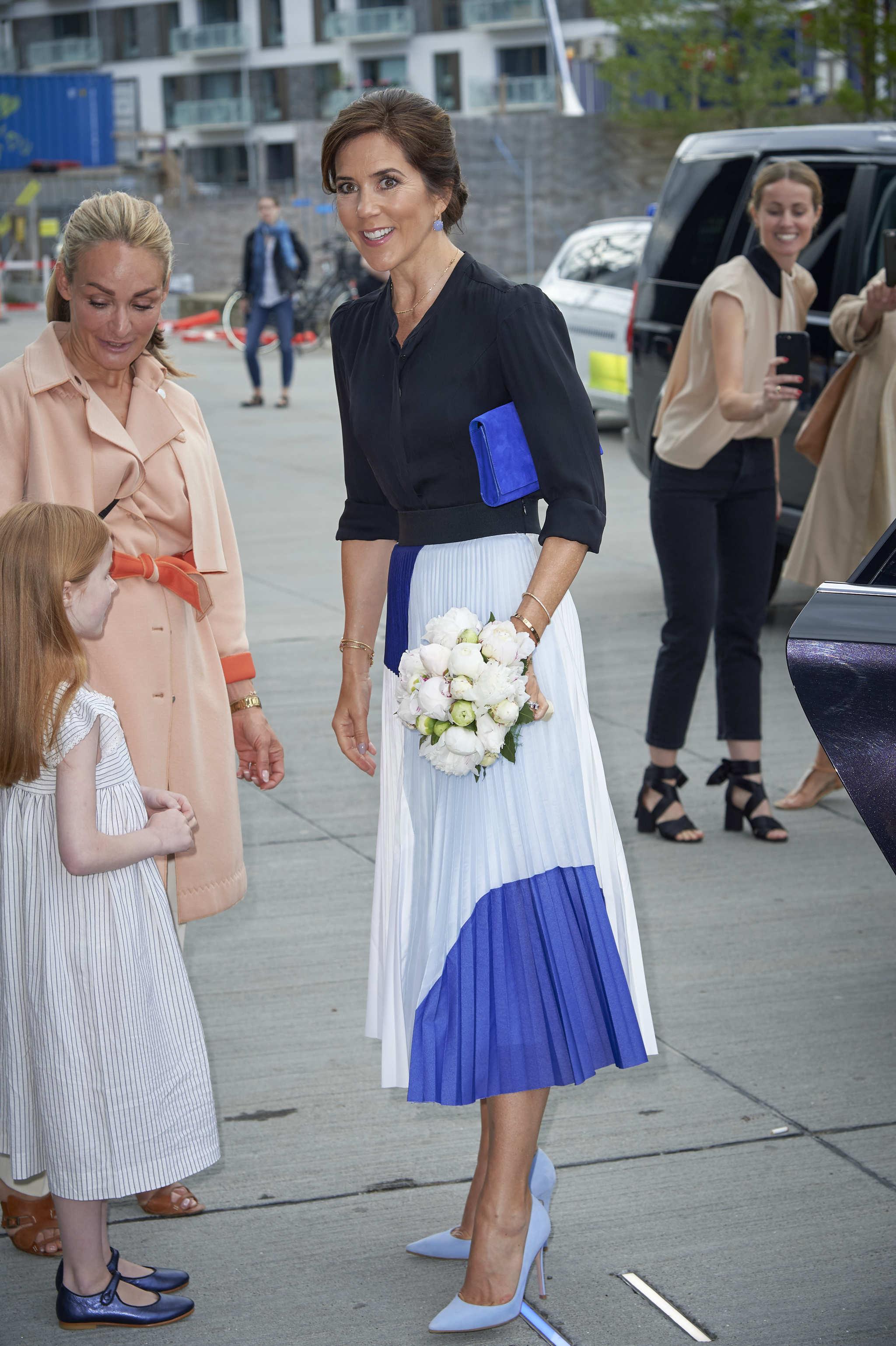 Mary de Dinamarca llegando a la <em>Fashion Summit</em> de Copenhage.
