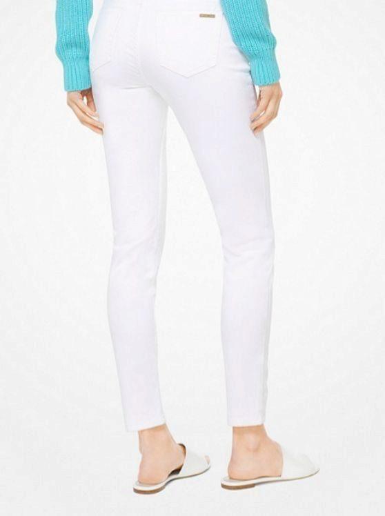 Pantalón Skinny de Michael Kors por 150 euros.