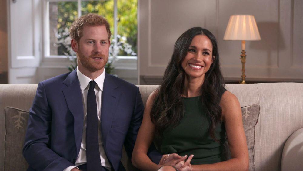 Meghan Markle y el príncipe Harry el día que anunciaron su...