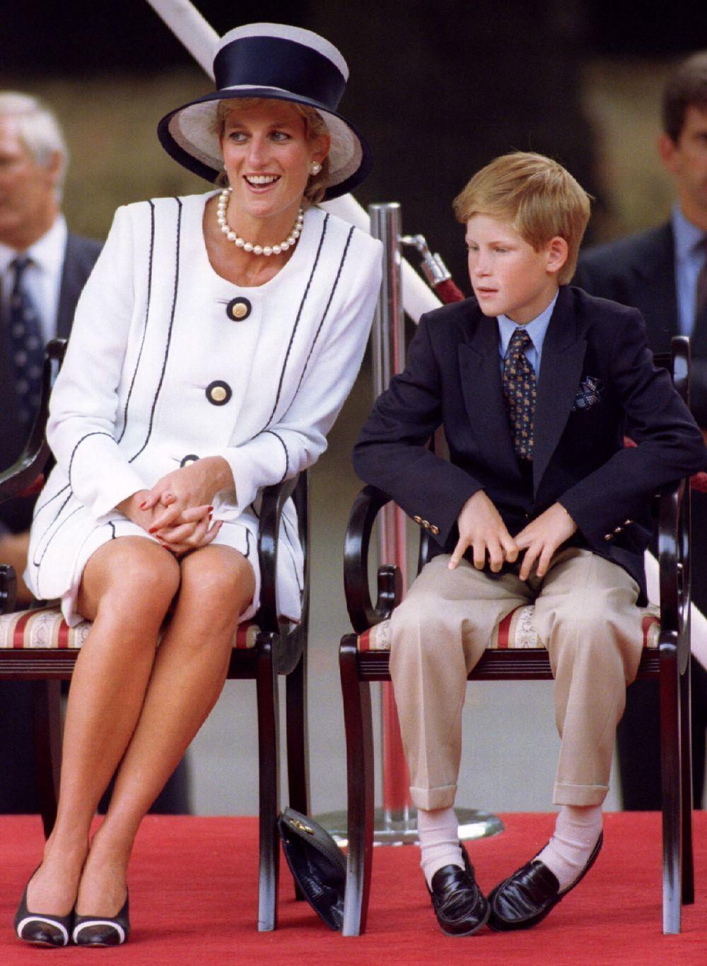 El príncipe Harry y Diana de Gales en Los Juegos Olímpicos.