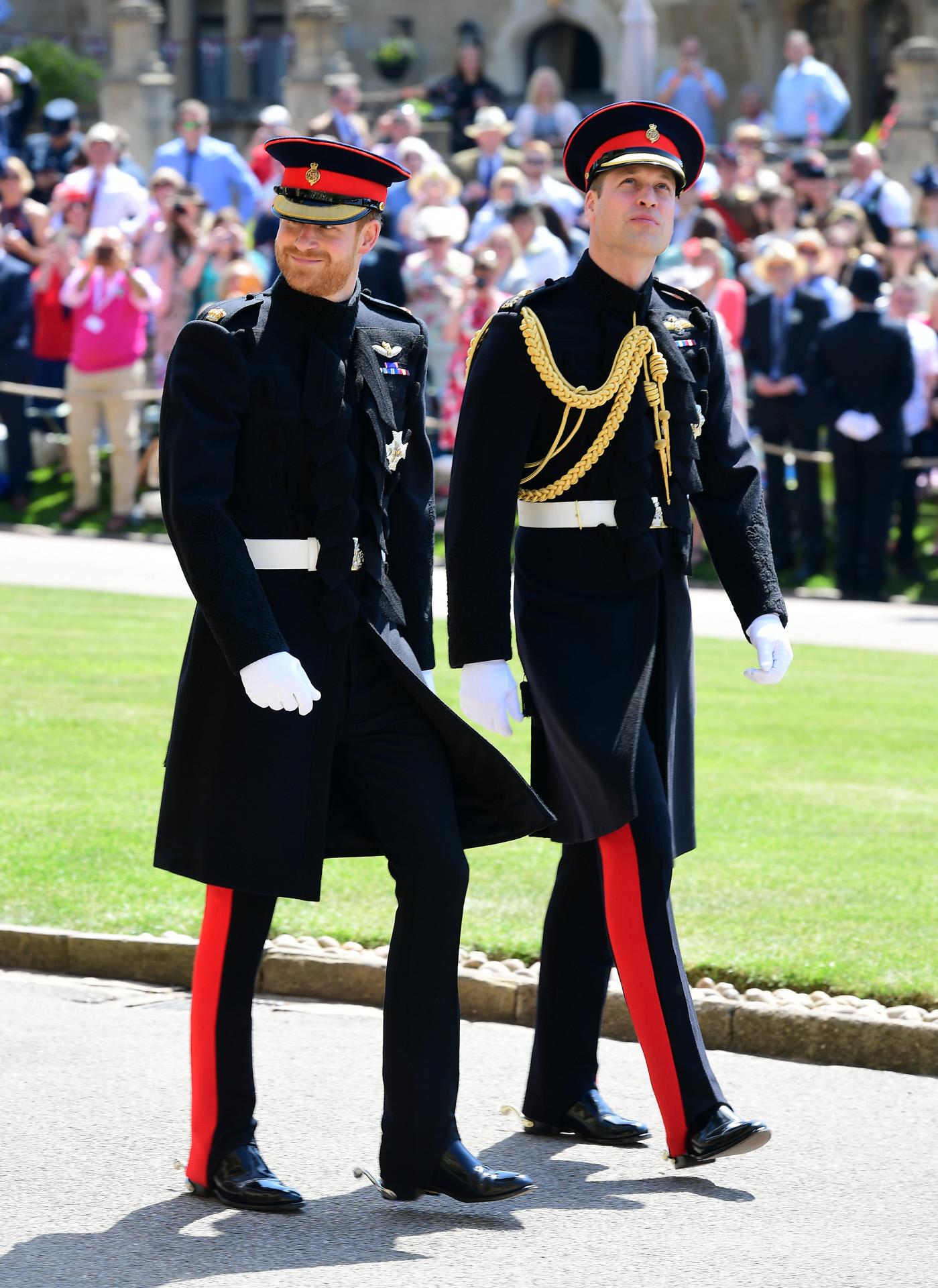 El príncipe Harry llegó al castillo de Windsor acompañado por su...