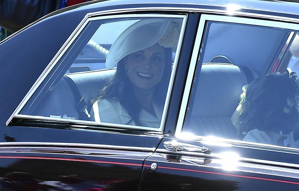 Kate Middleton a su llegada en coche.