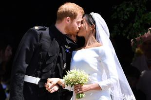 """Tras darse el """"sí, quiero"""", Harry y Meghan se han dado un beso a la..."""