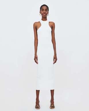 El vestido de Zara por 25,95 euros.