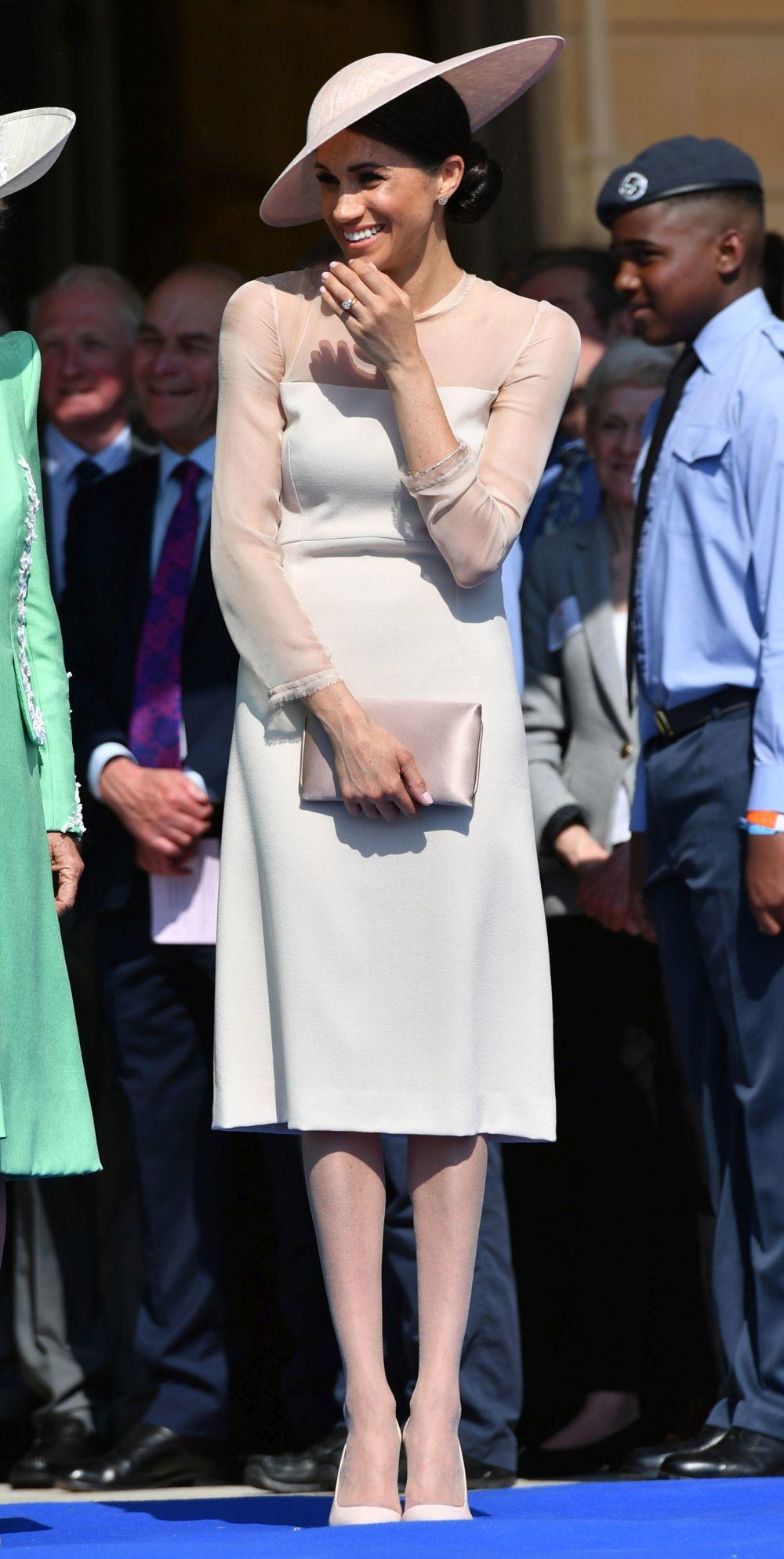 Meghan Markle con medias tupidas en su primera aparición como duquesa...