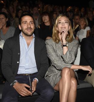 Marta Ortega y su prometido, Carlos Torretta, en el <em>front row</em>...
