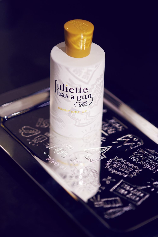 Un perfume solar: Juliette has a GUn comercializa doce perfumes. Todos...