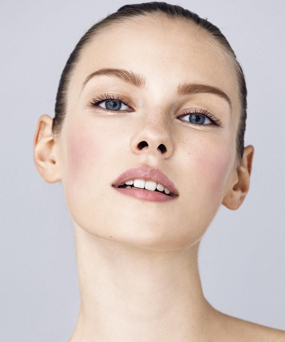 Una base de maquillaje antiedad que te pone buena cara y rejuvenece tu...