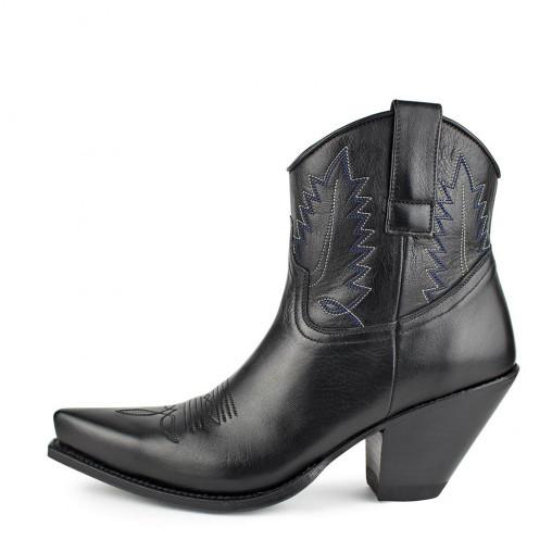 Botas Cowboy de Sendra por 245 euros.
