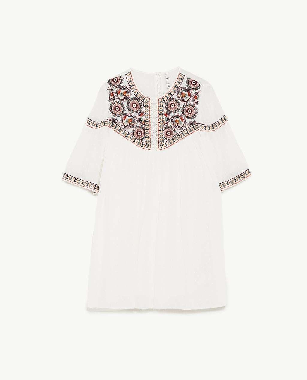 Vestido Boho chic de Zara por 29,99 euros.