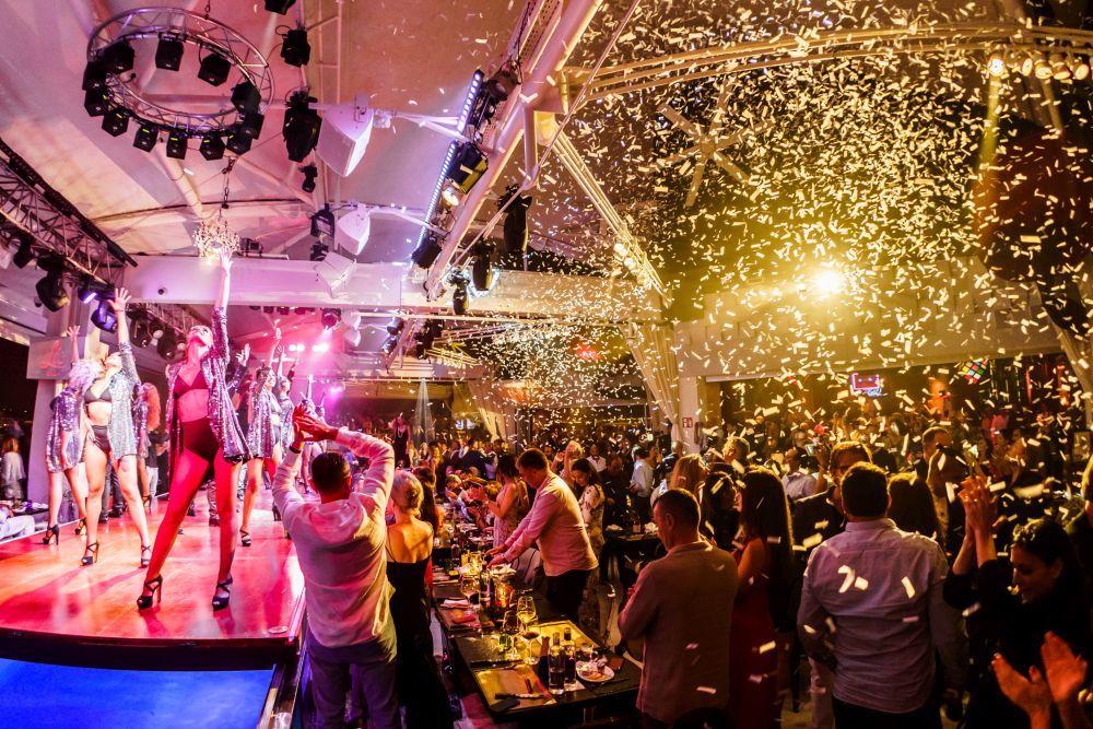 Actores, bailarines y cantantes forman el elenco de Lío Ibiza.