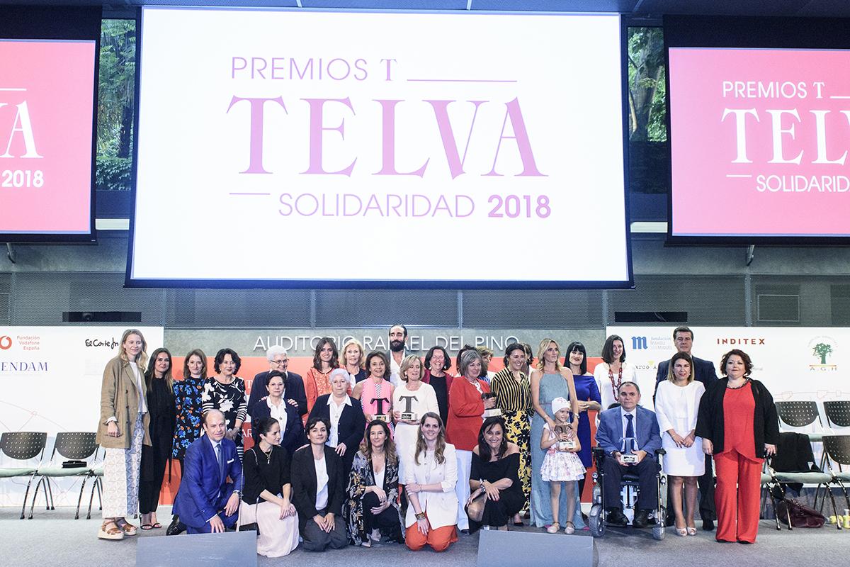 Todos los premiados posaron junto a Olga Ruiz, directora de TELVA, el...