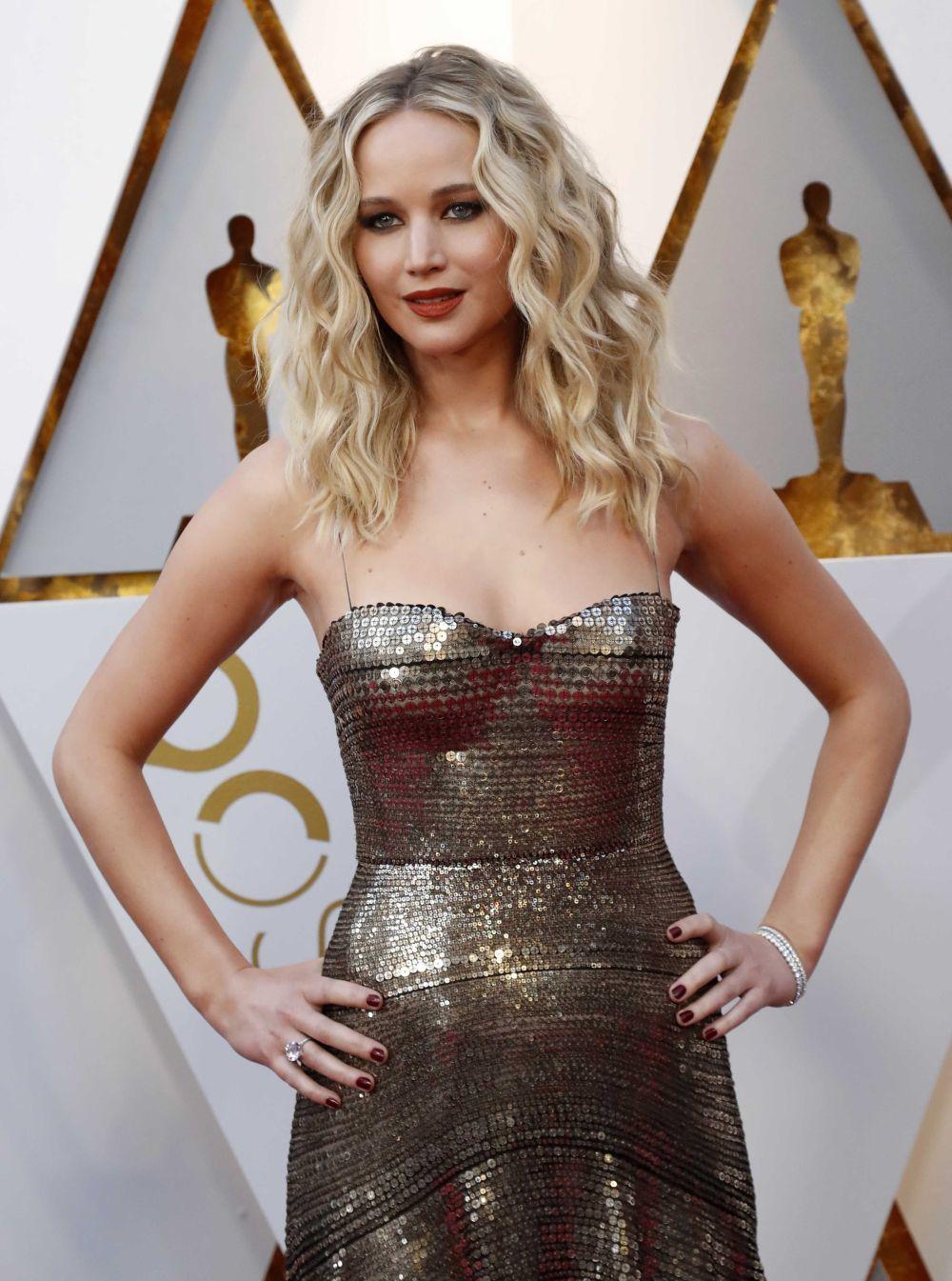 Jennifer Lawrence en la pasada gala de los Oscars 2018 con una melena...