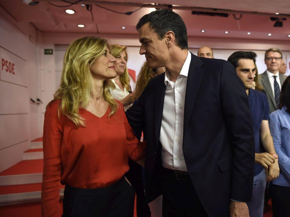 Begoña junto a Pedro Sánchez