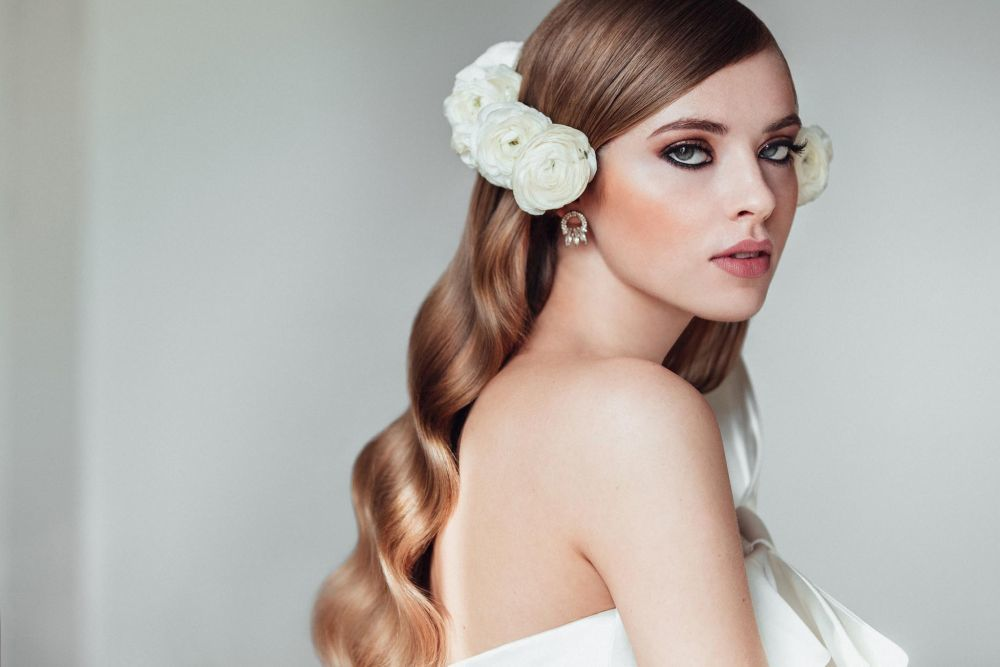 Flores Savia Bruta //Make-up products Mac //Hair products ghd // Dress...