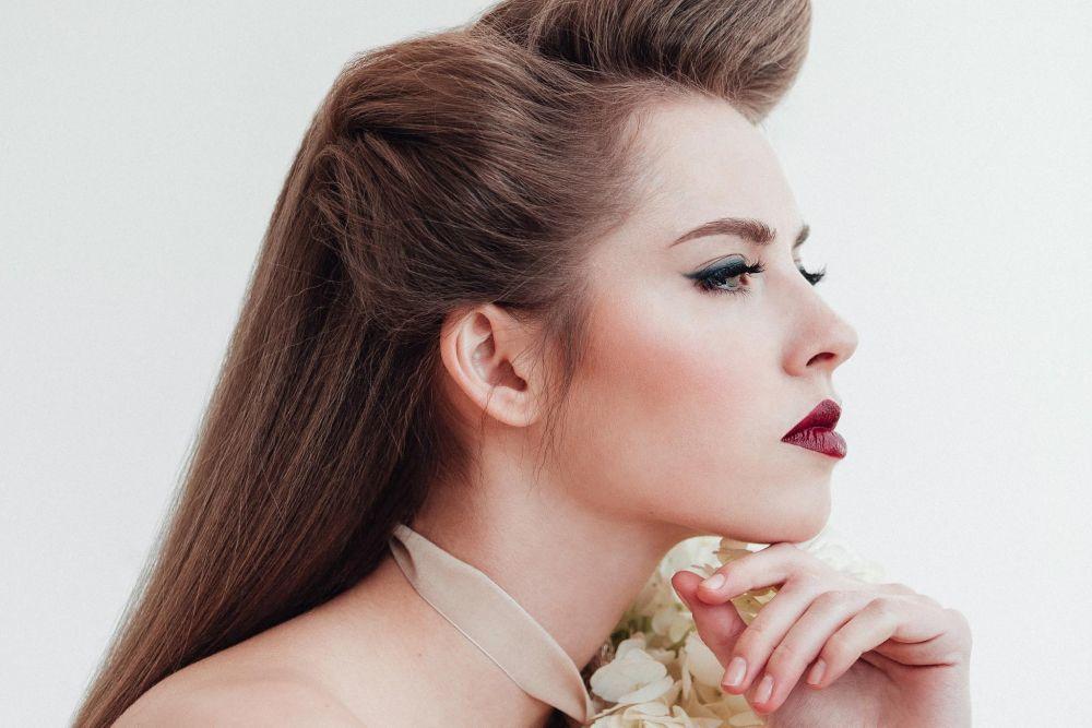 Make-up products Sisley, MAC, Guerlain //Hair products Aveda, ghd //...