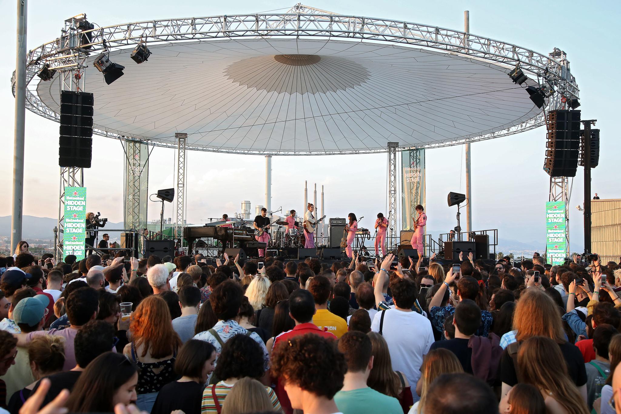 Amaia Romero acompañada por la Free Fall Band en el Primavera Sound