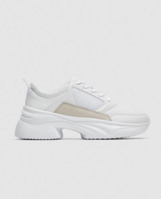 Sneakers de Zara (39,99 euros).