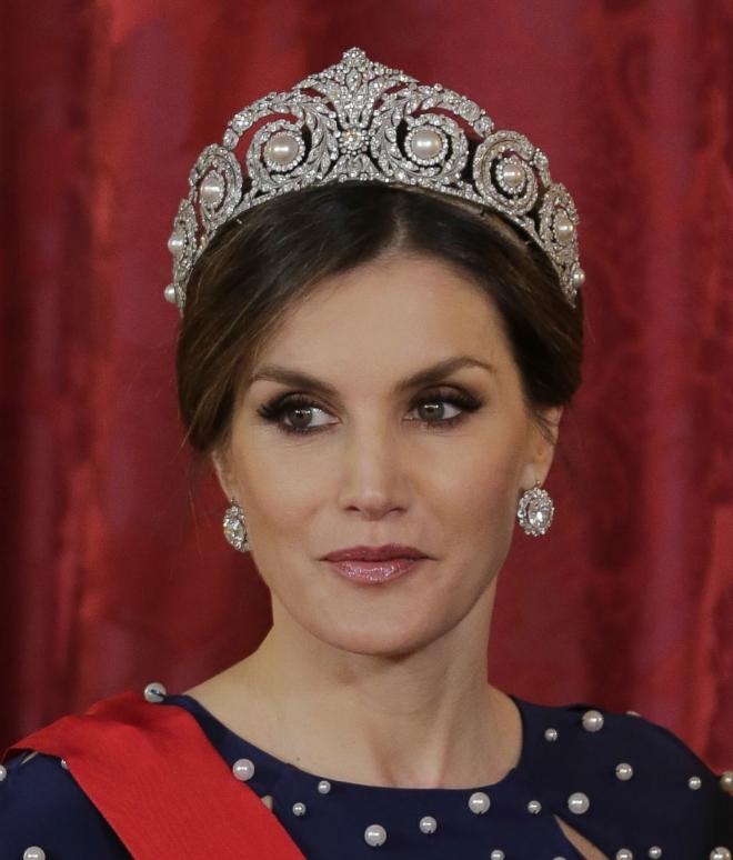 La Reina Letizia con tiara, foto del rostro.