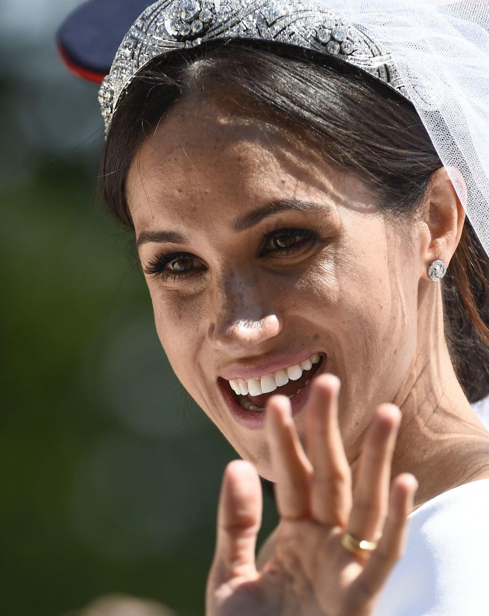Meghan Markle sigue rompiendo protocolos y encantando con sus looks — Duquesa rebelde