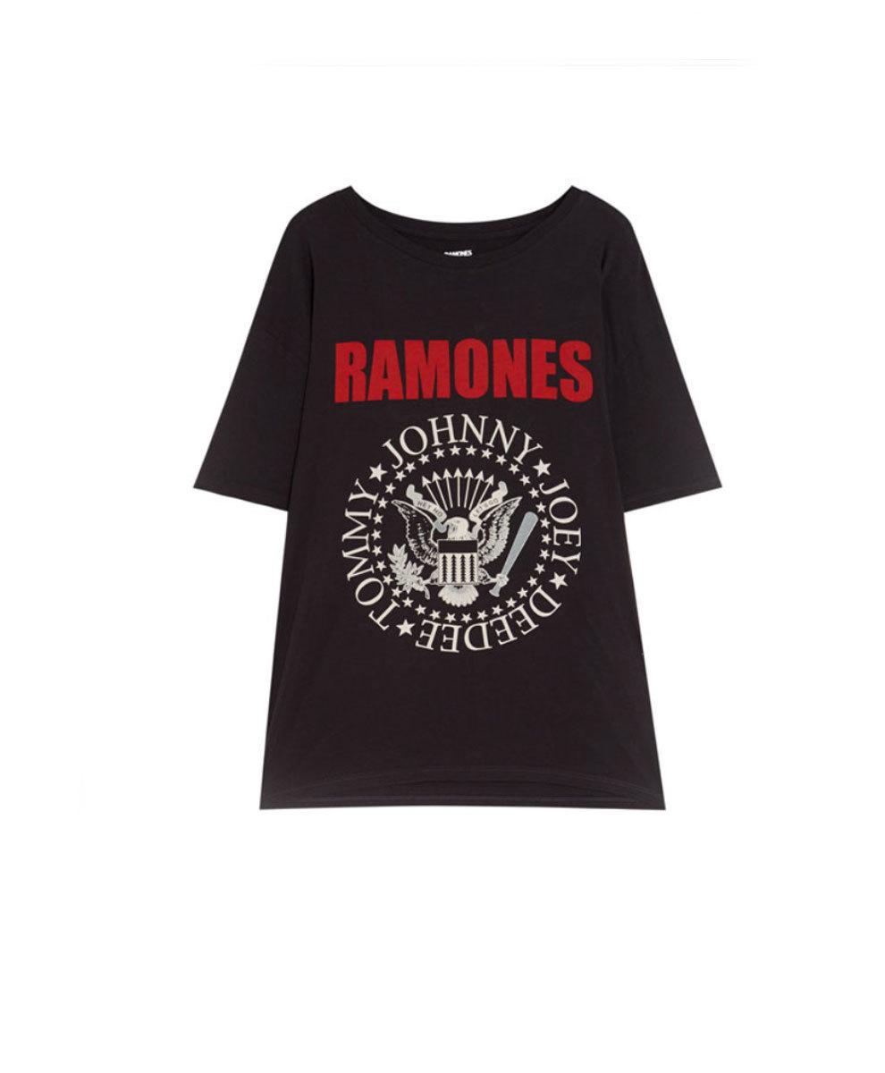 Camiseta de los Ramones, de Pull&Bear (14,59 euros).