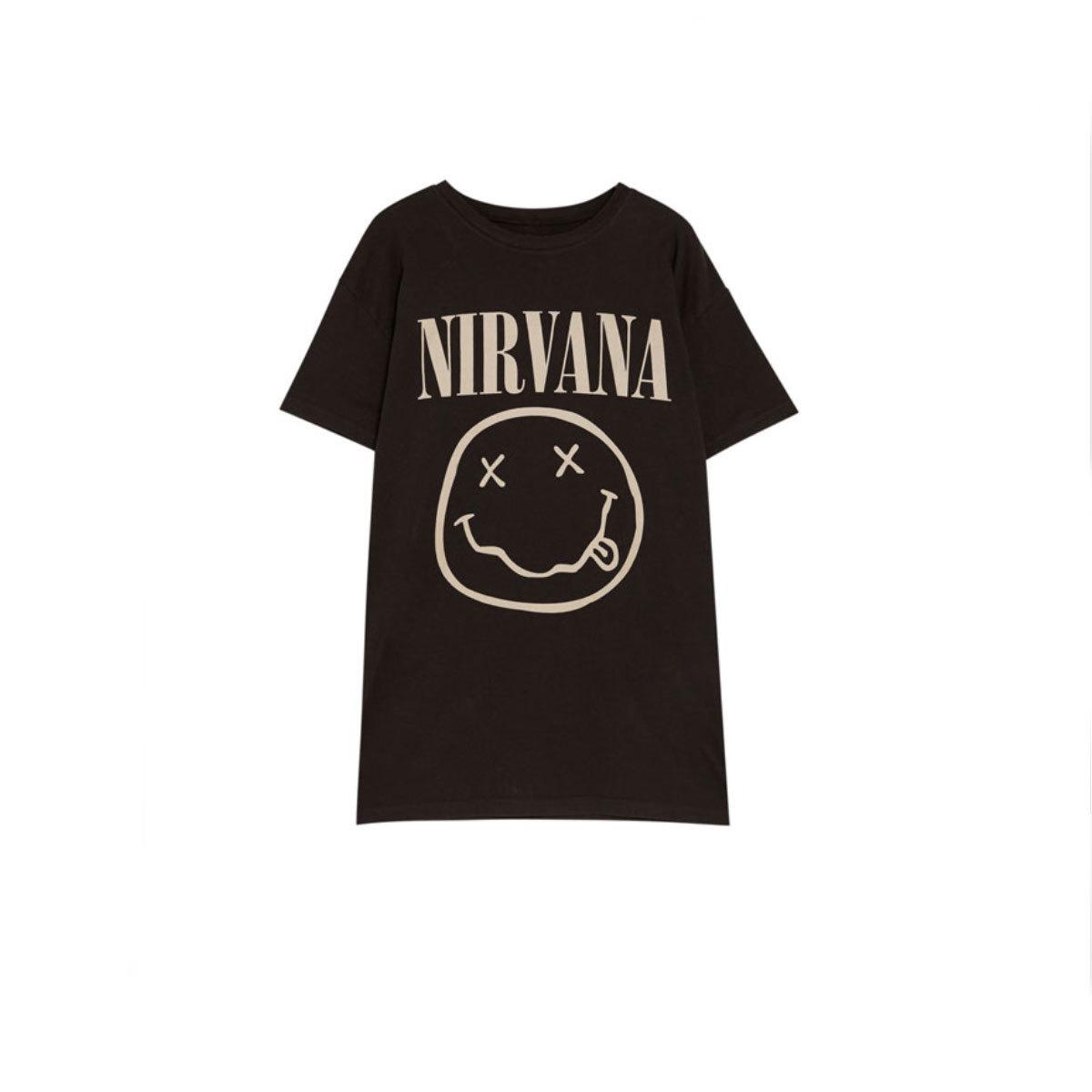Camiseta de Nirvana, de Pull&Bear (14,59 euros).