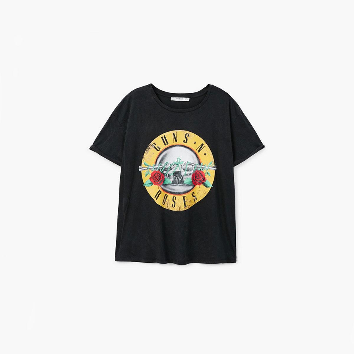 Camiseta de Guns and Roses, de Mango (17,99 euros).