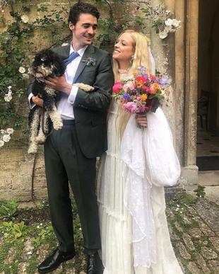Hannah Weiland y Arthur Guinness se casan en una boda de aires muy...
