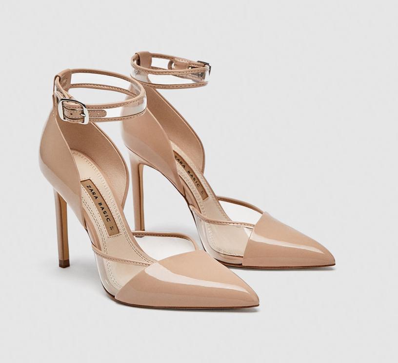 Zapato tacón color nude. de Zara (35,95 euros).