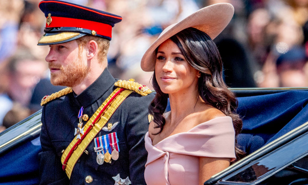 Meghan Markle y el príncipe Harry llegando al Trooping the Colour.
