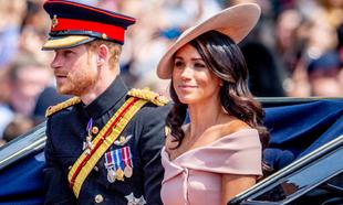Meghan Markle y el príncipe Harry llegando al Trooping the Colour.