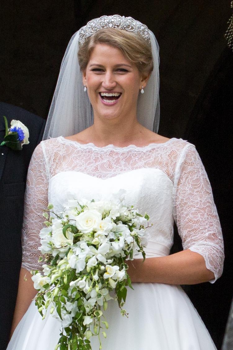 Celia McCorquodale vestida de novia y con la tiara Spencer.