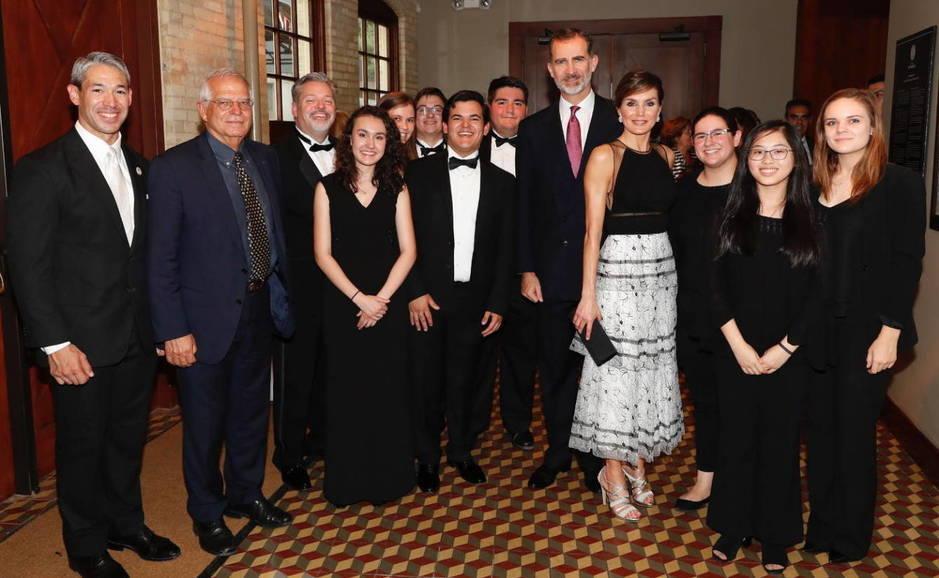 Guiños cordiales a los Reyes de España en la Casa Blanca