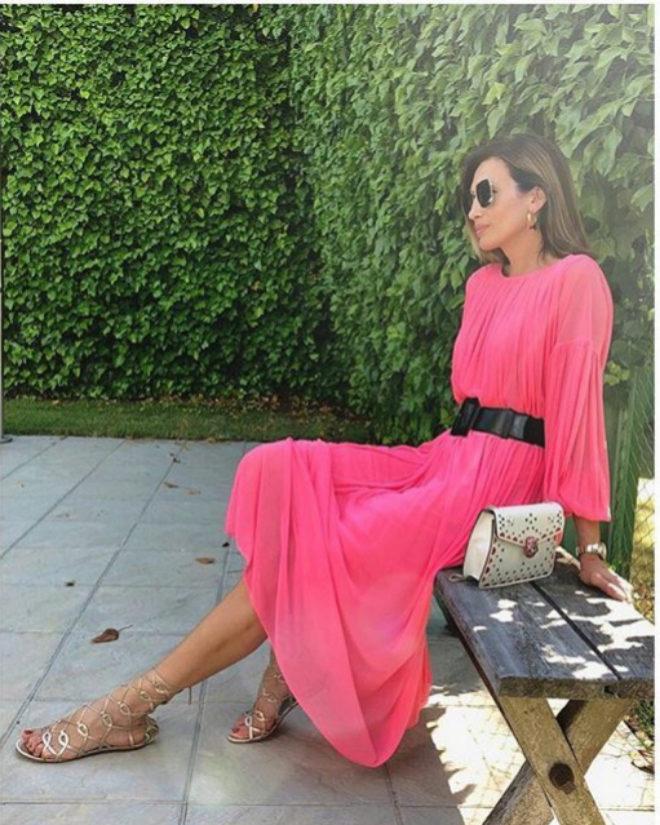 La modelo Nieves Álvarez de rosa en su cuenta de Instagram