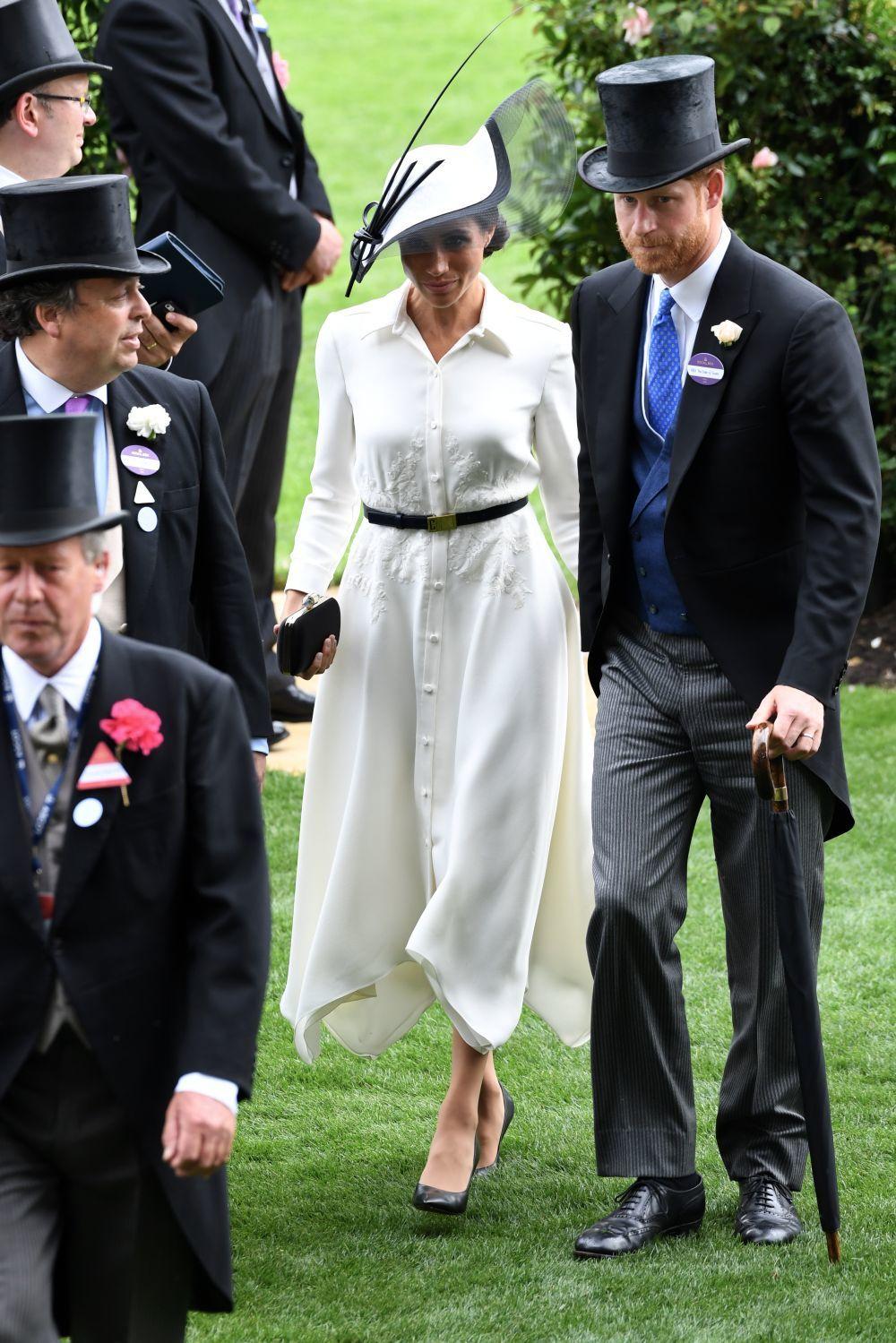 Givenchy fue la elección de la duquesa de Sussex para su primera vez...