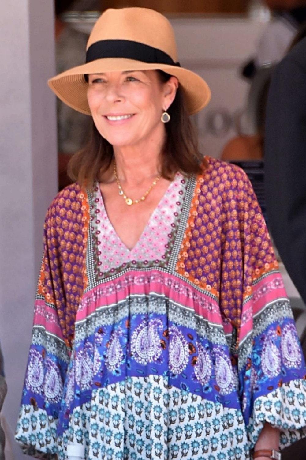 Carolina de Mónaco también eleige Zara para vestir en una jornada de...