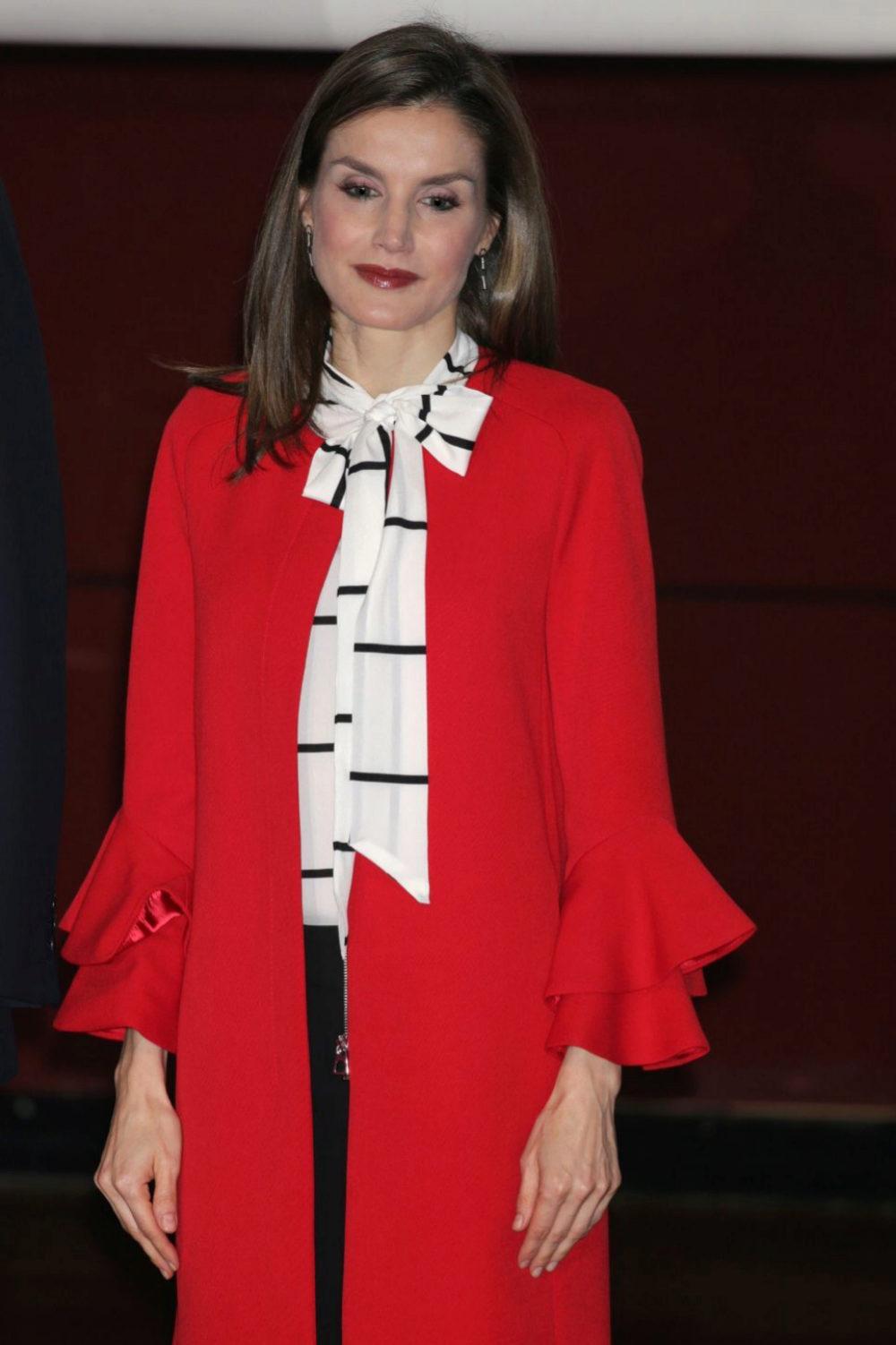 La Reina Letizia ha encontrado su abrigo favorito en Inditex.