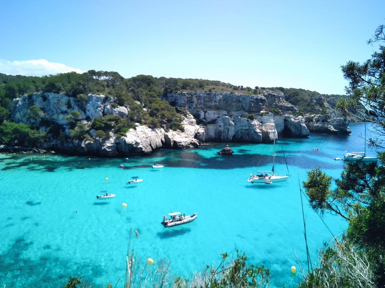 Cala Macarella, en Menorca, una de las playas imprescindibles de la...